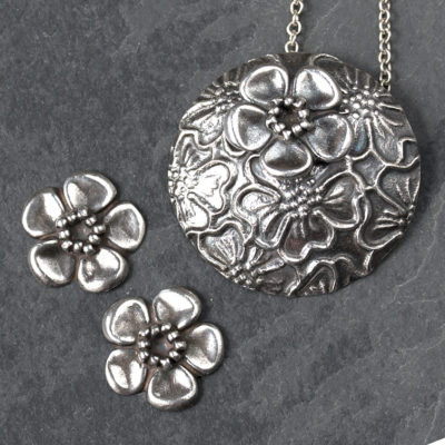 Silver clay flowers by Hamilton Jewellery, moulding class
